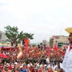 Nicolás Maduro junto al pueblo de Trujillo
